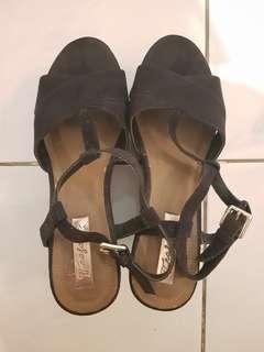 Zara suede black wedges size 37