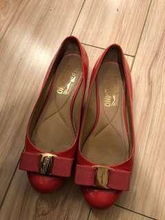 Ferragamo Varina Shoes 90% New!