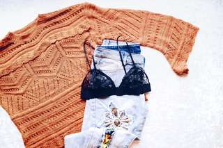 ⚡BROWN KNITTED TOP W/ BELL SLEEVES⚡