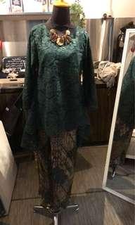 Lace tops & batik wraps