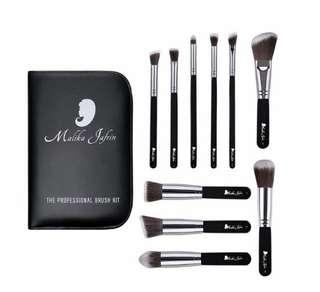 [IN-STOCK] Malika Jafrin Designer Beauty Makeup Brush Set -  10 Piece Professional Kabuki Brushes For Face and Eye Blending, Contouring, Highlighting & Setting Powder - Angled , Round & Tapered Synthetic Bristles