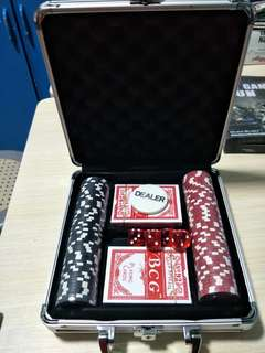 100pc poker game set brand new