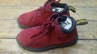 Boots Dr. Martens for kids, its new but theres no boxes. Whatsapp 01123410139 for more details. Thanx!!
