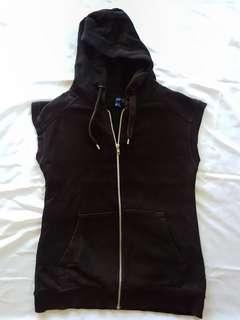 Rompie Hoodie warna hitam. Preloved (bekas)