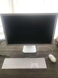 """Power G5 Mac/ 23"""" cinema screen"""