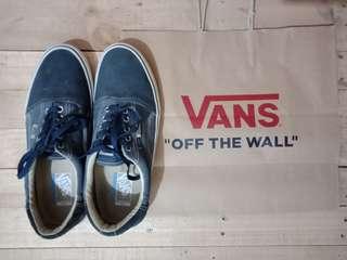 Sepatu vans era