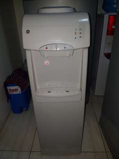 G.E. Water Dispenser