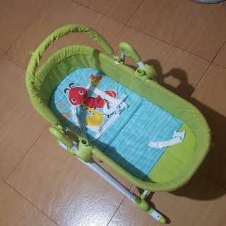 2-in-1 Bassinet Cradle rocker