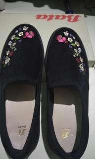 Flat shoes Bahan suade bordir