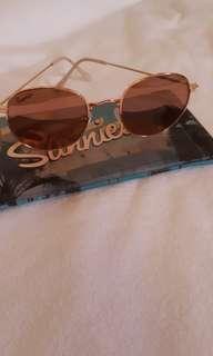 Sunnies eyewear