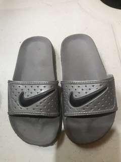 Nike slippers for kids