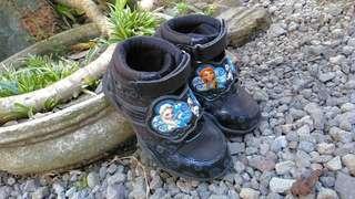 Sepatu anak size 29 frozen fevef