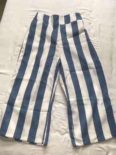 🚚 Strip pants