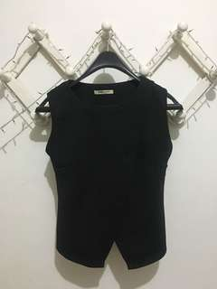 Black blouse ADA