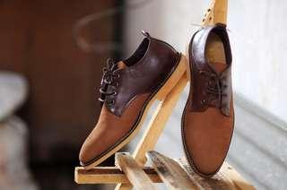 Sepatu pria kulit asli