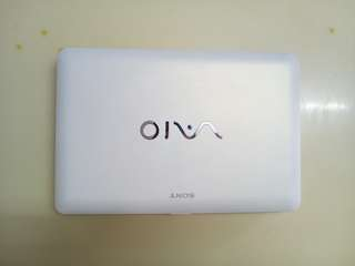 SONY Vaio White 11inch/windows7/400GB
