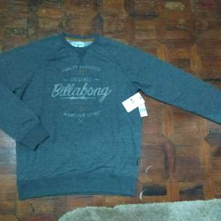 Large,  Authentic Billabong sweatshirt! Repriced!