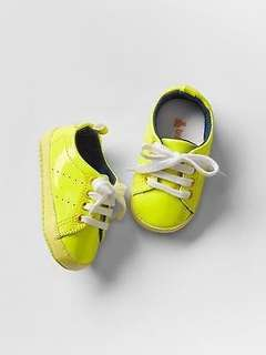 GAP Baby / Toddler Boys Size 6-12 Months Yellow Patent Sneakers Booties Shoes