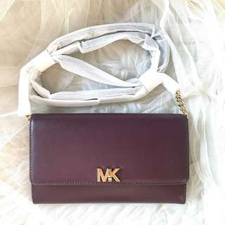Michael kors mott XL wallet on chain size: 21cm x 13cm