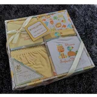 BNIB SHEARS Baby Gift Set (Unisex) for Baby Shower or Full Month