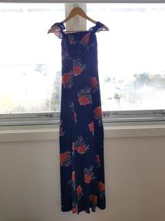 Side split maxi dress size 6 (XS)