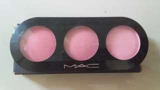 Mac blush on