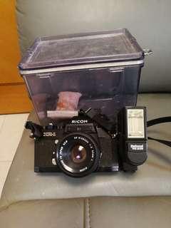 古董菲林單鏡相機+50mm52∅鏡頭+閃光燈+ 防潮膠箱