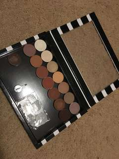 LIKE NEW ANASTASIA BEVERLEY HILLS SHADOWS