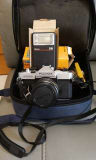 古董菲林相機+50mm鏡頭+閃光燈+相機袋