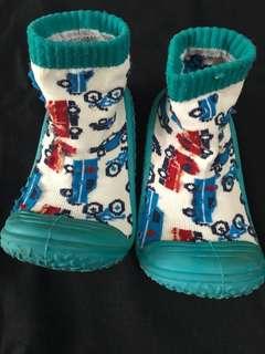 Baby prewalker rubber sole socks
