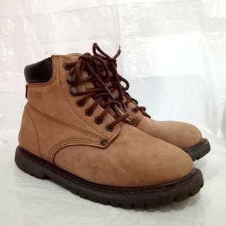 Sepatu domba