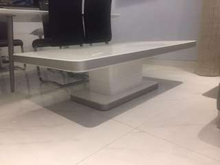 Tempered glass table white