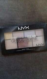 NYX Strobe of Genius Highlighters Palette