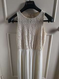 White lacey formal dress