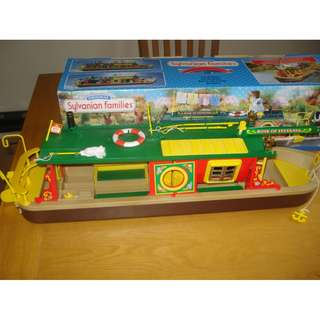 SYLVANIAN FAMILIES ROSE OF SYLVANIA (HOUSE BOAT) WITH PARTITIONS AND ACCESSORIES