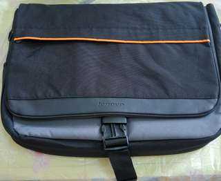 Lenovo Carrying Case - Messenger (40Y8598) Lenovo筆記型電腦便攜袋 (40Y8598)
