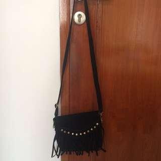 Sling Bag hitam fringe