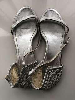 b+ab女裝銀色平底涼鞋/ silver flat scandals