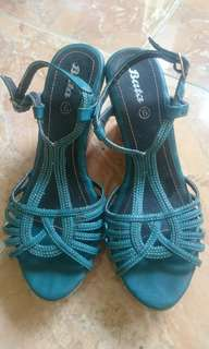 Wedges green