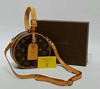 Louis Vuitton Boite Chapeau Monogram