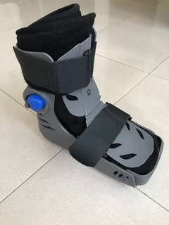 Medical walking boots