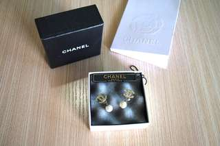 Chanel Pearl Earrings Authentic anting original