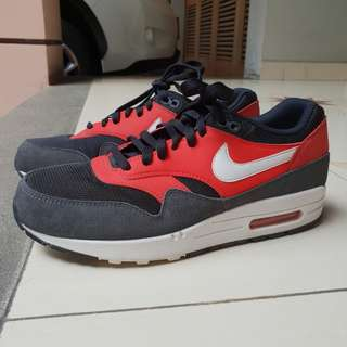 Nike airmax 1 essential. Like new
