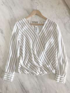 Forcast white wrap stripe top size 8