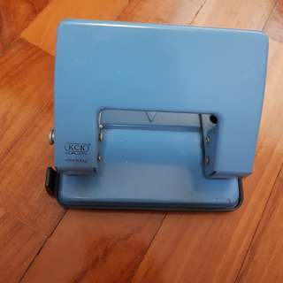 Moving Sale: Hole puncher
