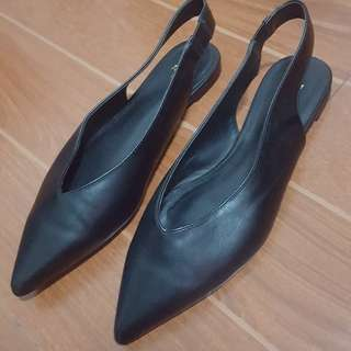 H&M black pointed flats