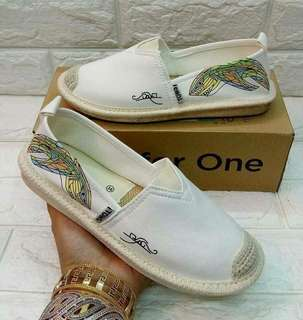 TOMS SHOES ..