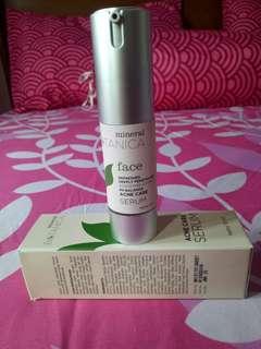 Serum mineral botanica for acne skin