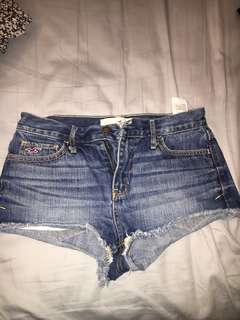 Hollister Mid-rise Shorts size 3