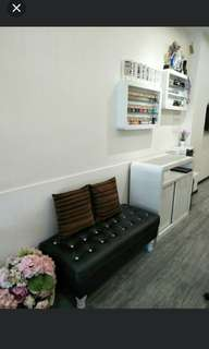 Nail space to rent